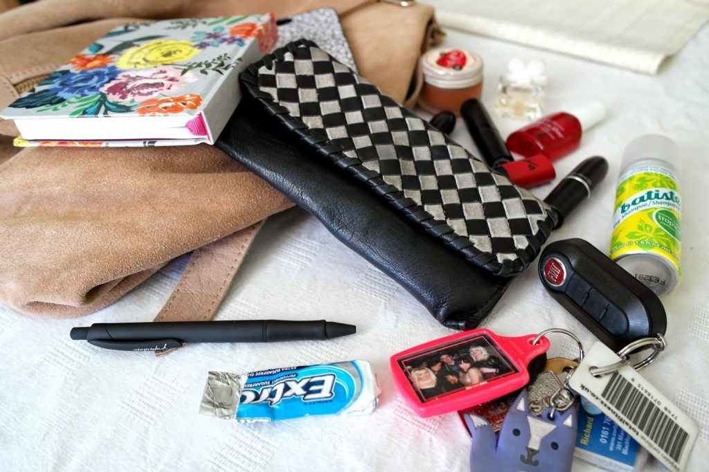 What's In My Bag Fashion Blogger